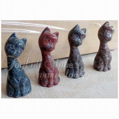 KR-039, Granite cat figurines